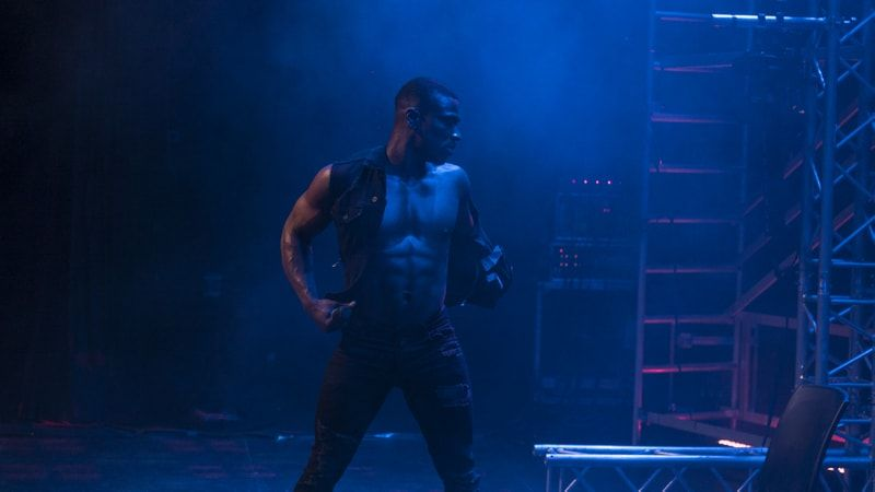 male strippers performance